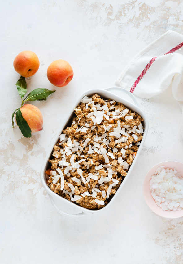 Oatmeal-coconut-peach-crumble befor baking